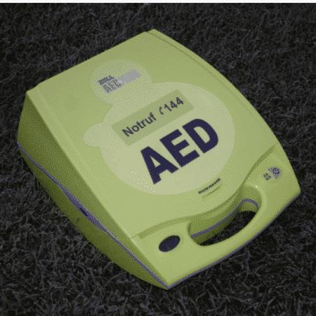 Defibrillator ZOLL AED Plus CPR closed